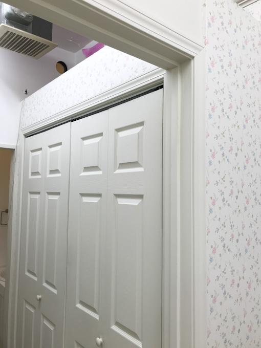 輸入住宅のロビンスジャパンの標準仕様の建具の三方枠