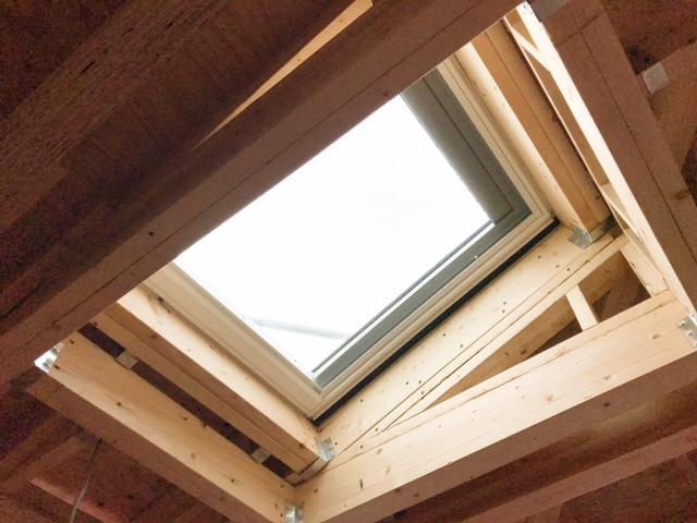 ロビンスジャパンの工事中の様子_注文住宅のブログ_天窓