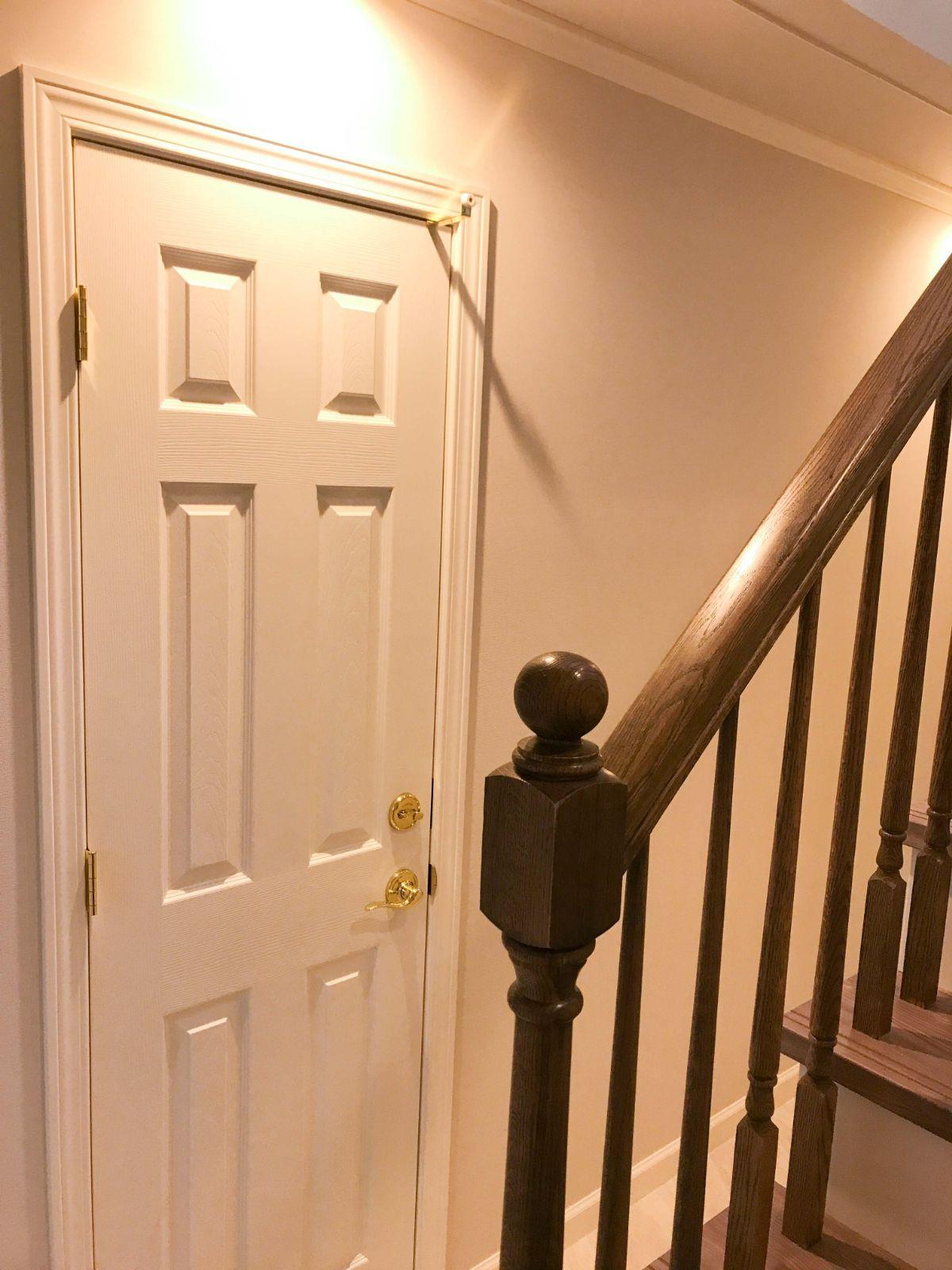 1階オフィスのドア